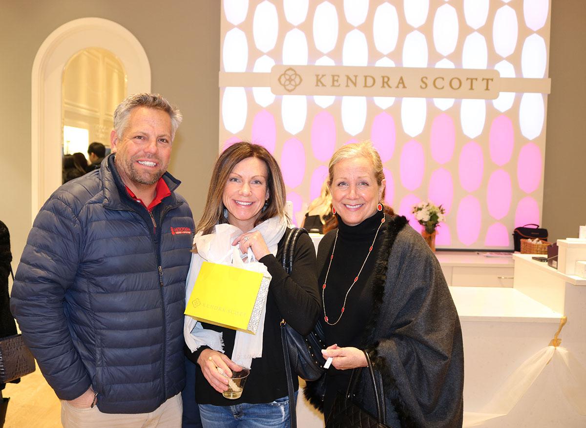 Kenwood Kendra Scott Supports Stepping Stones Ohio